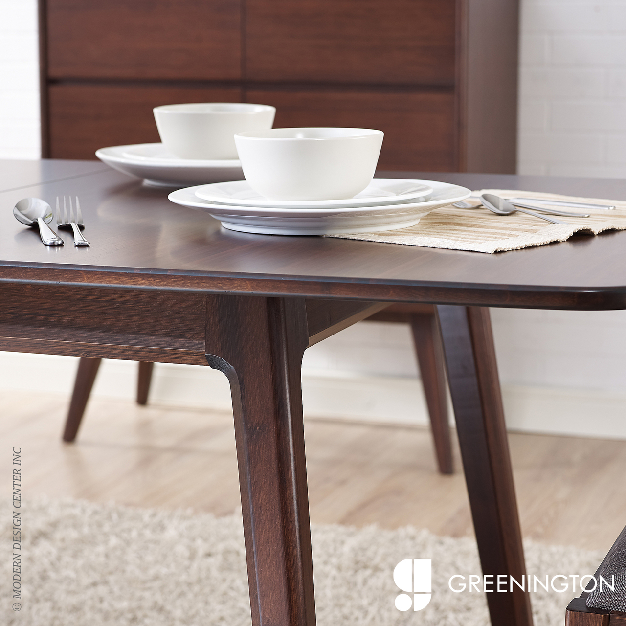 Laurel Extendable Dining Table | Greenington