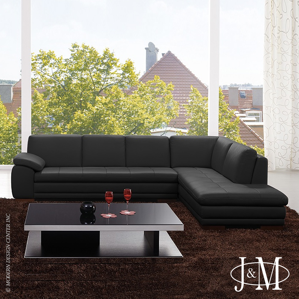 Bergamo Italian Leather Sectional Black RHF | J&M Furniture