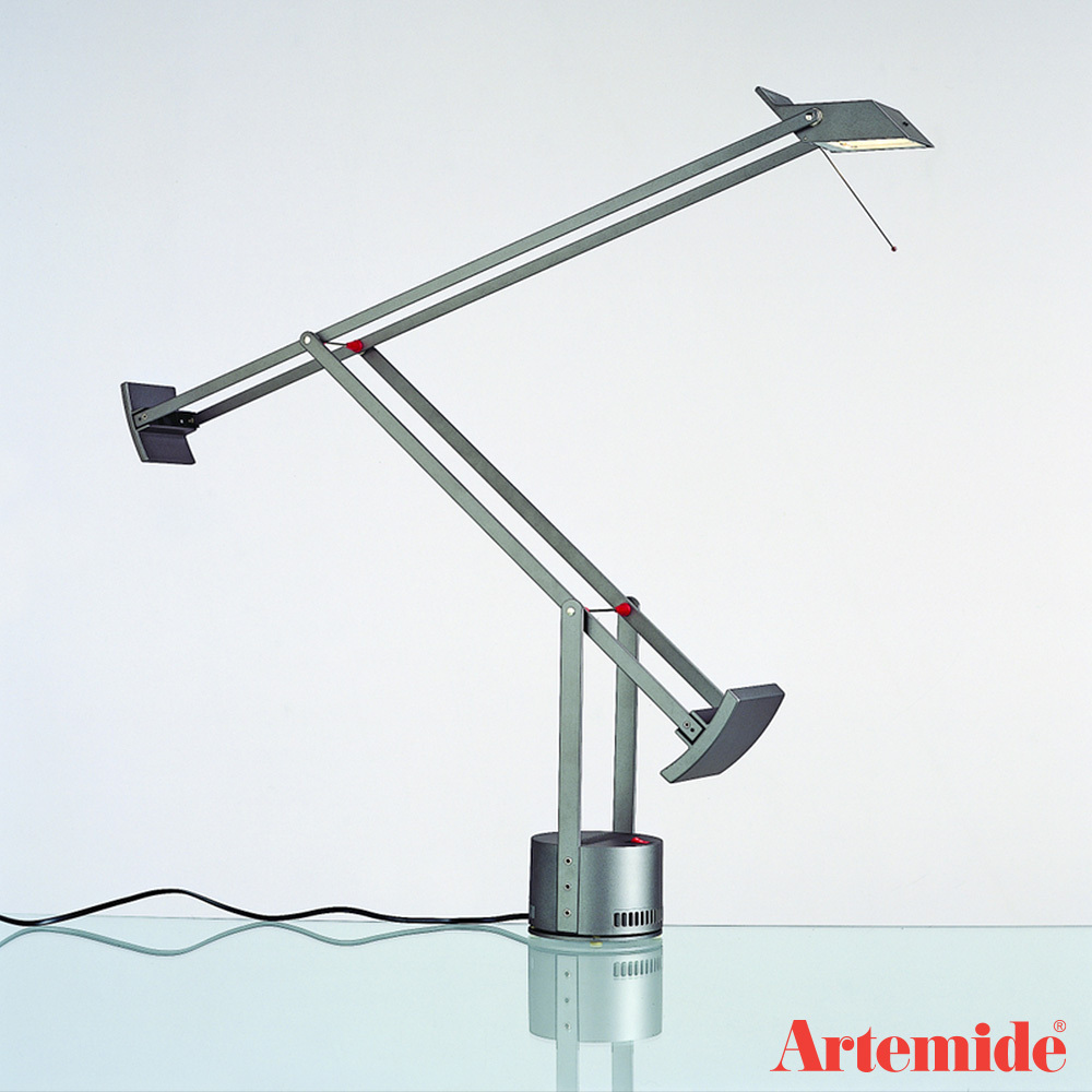 izio classic table lamp artemide metropolitandecor. Black Bedroom Furniture Sets. Home Design Ideas
