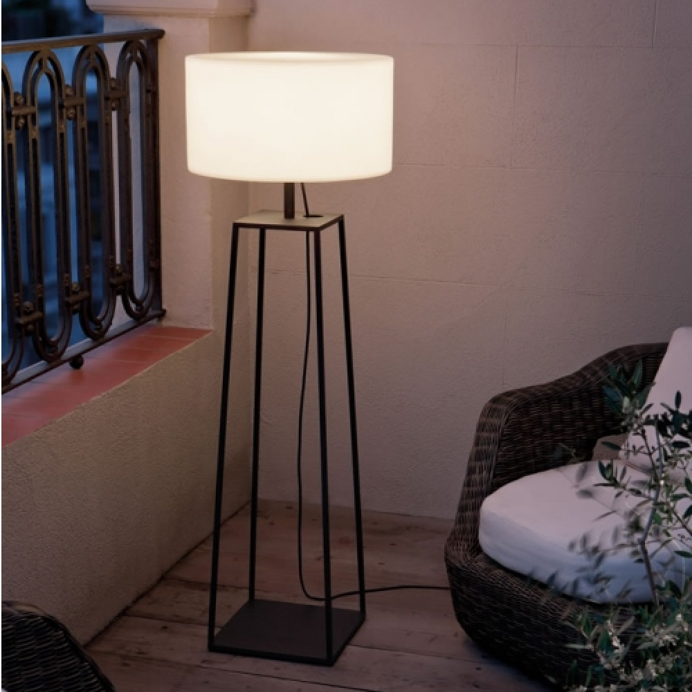 Tiffany 2 Outdoor Floor Lamp | Carpyen