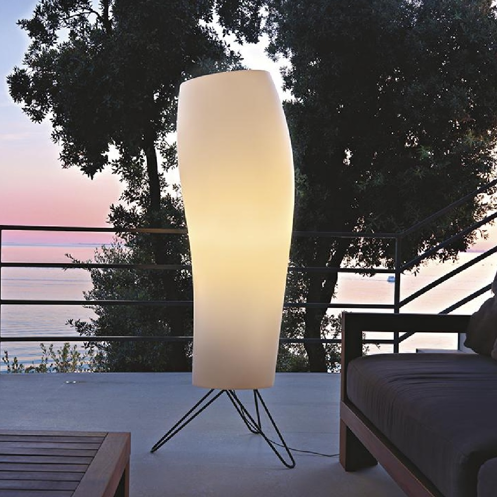 Warm Outdoor Floor Lamp | Karboxx