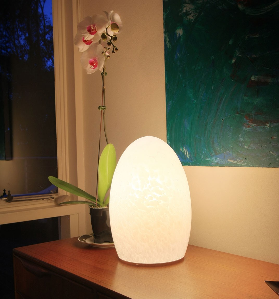 Egg Fritted Large Cordless Table Lamp | Neoz