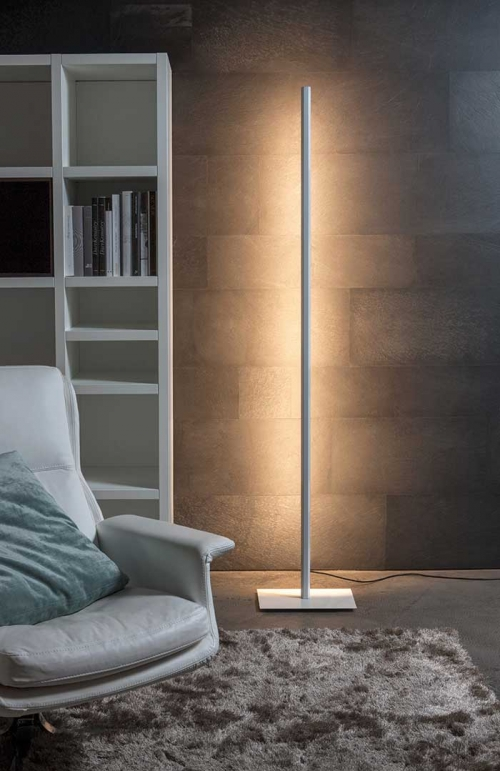 Lineal LED Floor Lamp | Carpyen