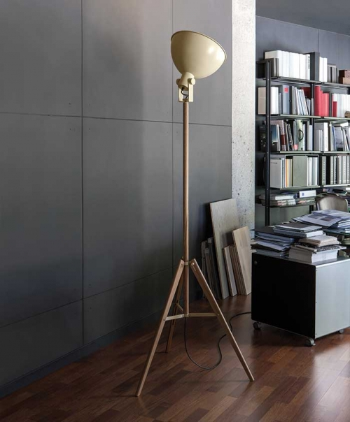 Tripod F Floor Lamp | Carpyen