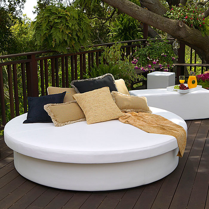 Sun Pad Round Resort Bed | la-Fete Design
