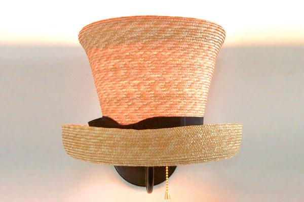 Hat Sconce | Lampa