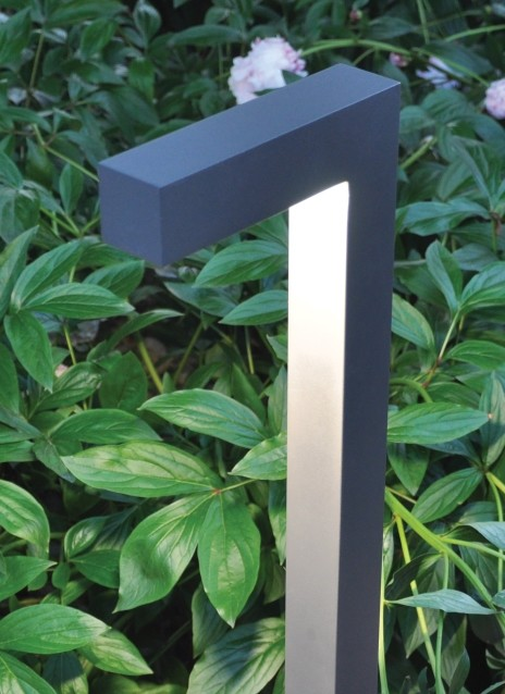 Strut Outdoor Path | Tech Lighting