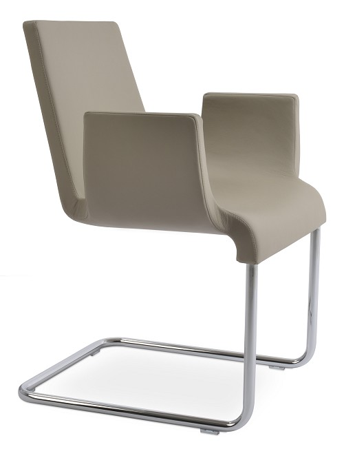 Reiss Arm Chair | SohoConcept